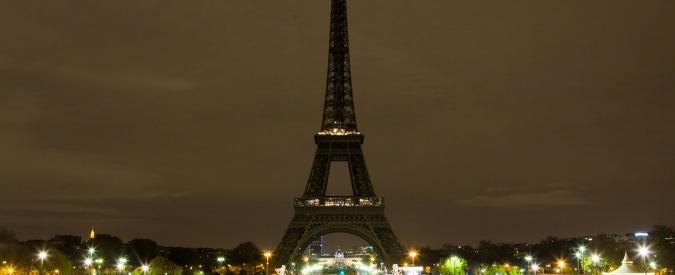 Aleppo, dalla Torre Eiffel a Montecitorio: in tutto il mondo si spengono le luci in segno di solidarietà