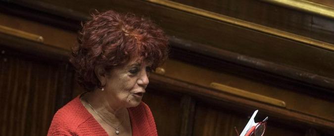 """Valeria Fedeli, ministra dell'Istruzione corregge il titolo di studio: da """"diploma di laurea"""" a """"diploma"""""""