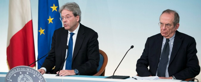 """Conti pubblici, perché Padoan è """"estremamente allarmato"""": rischio multe fino a 8,5 miliardi e stop ai fondi Ue"""