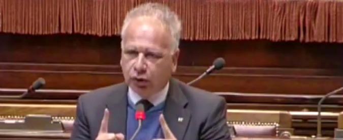 """Avellino, """"ex parlamentare tra i furbetti del cartellino all'Asl"""": Iannaccone si dimette da assessore"""