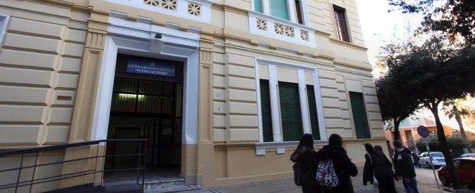 Napoli, professoresse tentano di fermare occupazione degli studenti e finiscono all'ospedale