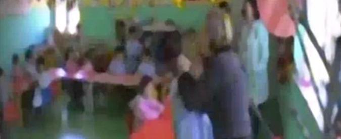 Brescia, maltrattamenti in un asilo nido: arrestate tre maestre incastrate dai filmati delle telecamere