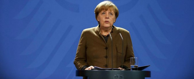 """Trump, offensiva contro la Germania. Consigliere sul commercio: """"L'euro è un marco travestito con cui sfrutta Usa e Ue"""""""