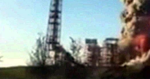 Pavia, esplode raffineria Eni: in cielo si alzano due enormi colonne di fumo e fuoco