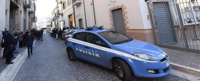 Napoli, 50enne uccide la moglie e il figlio di 3 anni. Poi si toglie la vita impiccandosi