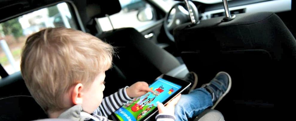 L'auto che si guida da sola? Le mamme europee ci manderebbero a scuola i figli