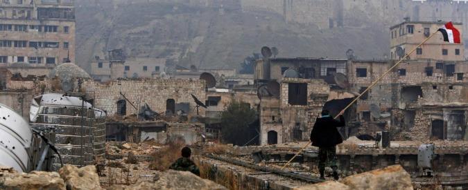 "Siria, media: ""Caccia israeliani colpiscono con 5 missili base iraniana a Damasco"""