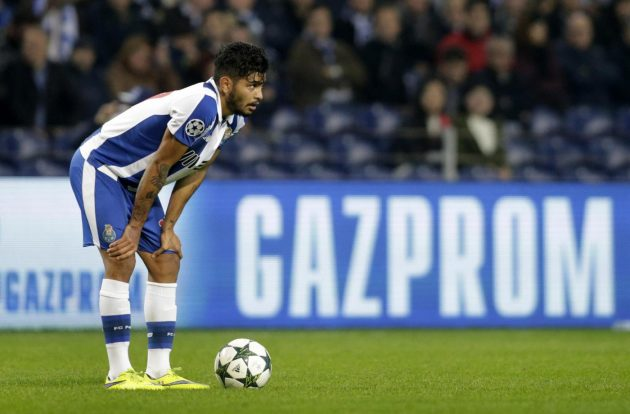 Football Soccer - FC Porto v Leicester City - UEFA Champions League Group Stage - Group G - Dragao Stadium, Oporto, Portugal - 7/12/16 FC Porto's Jesus Corona Reuters / Miguel Vidal Livepic EDITORIAL USE ONLY.