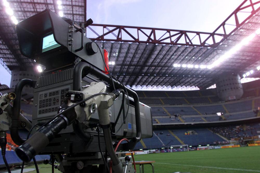 Calcio, conti esteri e fondi neri: diritti tv nel mirino della Dda di Milano