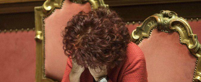 Valeria Fedeli non è (più) laureata, ma resta ministro