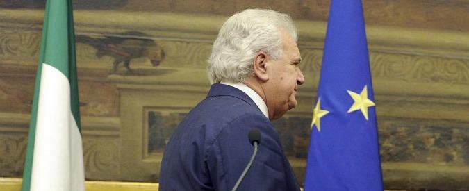 Governo Gentiloni, le telefonate di Verdini a Renzi per l'esclusione. E il sospetto che all'ex premier convenga