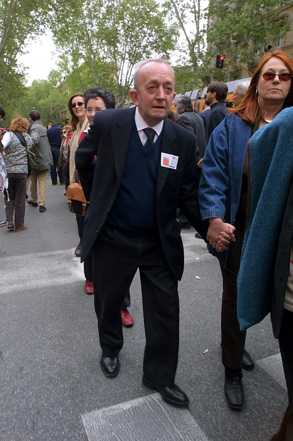 MAURO SCROBOGNA/LAPRESSE13-04-2002 ROMAPOLITICAGIROTONDO MINISTERO ISTRUZIONENELLA FOTO L'EX MINISTRO DELLA PUBBLICA ISTRUZIONE TULLIO DE MAURO