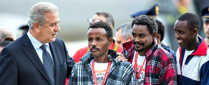 """Migranti, blocco navale in Libia basato su intesa tra Italia e governo che non c'è. """"Sarraj debole, Haftar sempre più forte"""""""