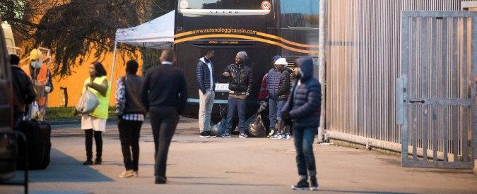 """Migranti, blog Grillo: """"No alla riapertura dei Cie, piacciono a 'Mafia Capitale'"""""""
