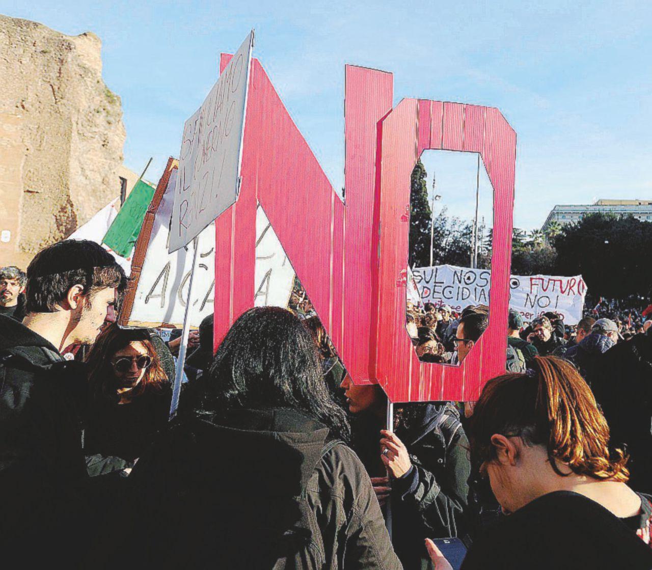 """""""Un movimento autonomo e di massa: restiamo in campo"""""""