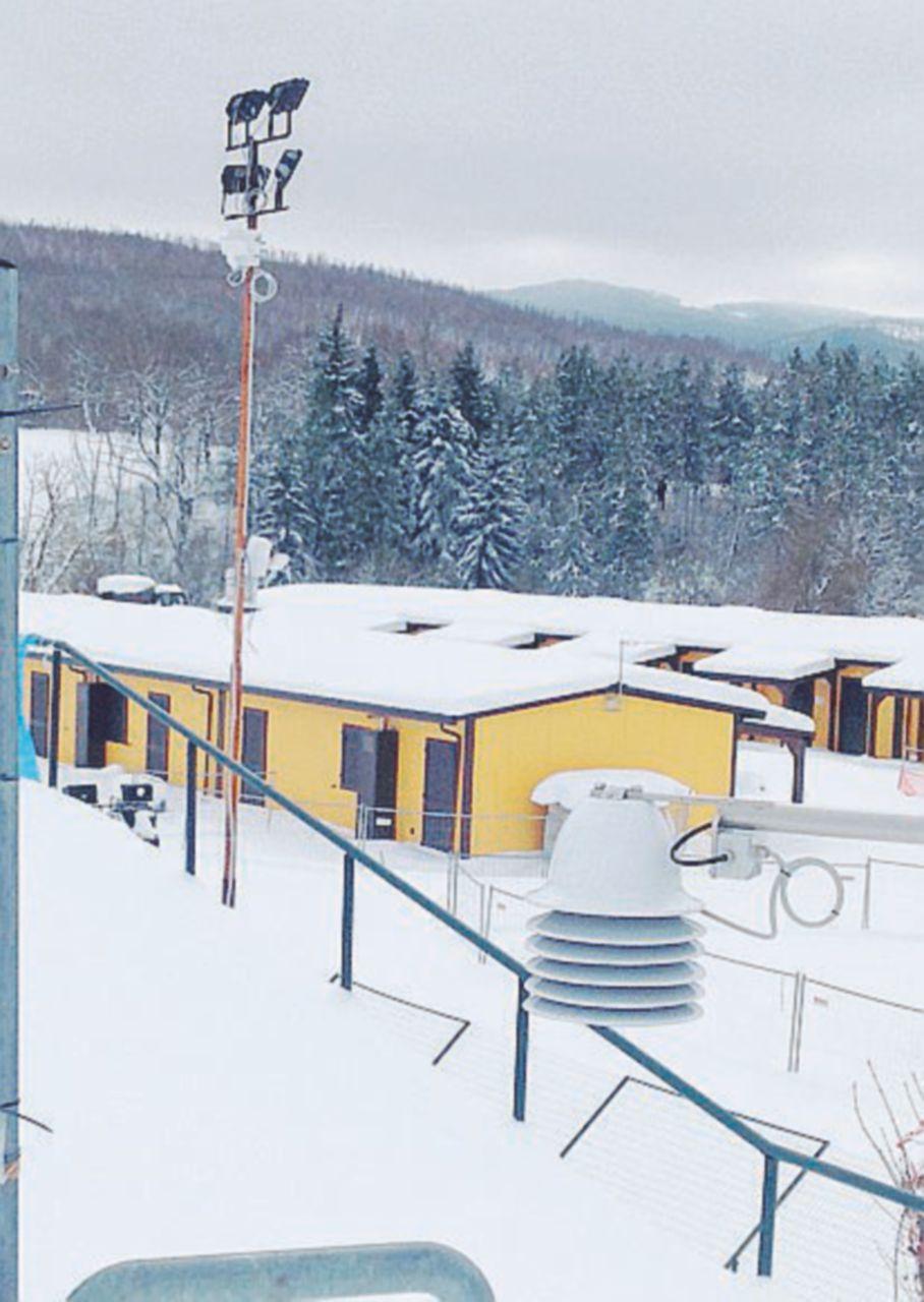 In Edicola sul Fatto Quotidiano del 21 gennaio: I moduli abitativi promessi dall'ex premier per Natale devono essere ancora  terminati