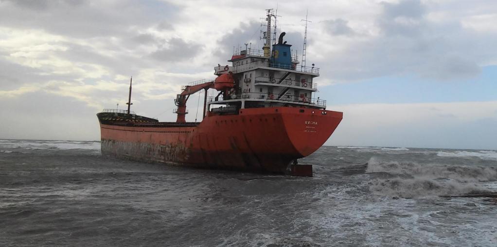 livorno-nave-incagliata