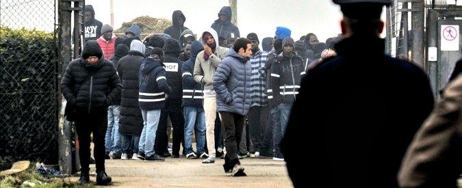Migranti, governo: 'Cie e rimpatri veloci'. Ma non affronta il problema accoglienza