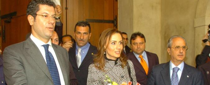 Calabria, sequestrati 100mila euro all'ex governatore Scopelliti. Moglie indagata per riciclaggio