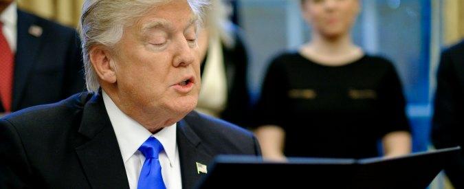 """Trump, giudice sospende lo stop agli immigrati. Il presidente Usa su Twitter: """"Decisione ridicola"""""""