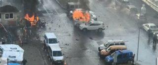 """Turchia, autobomba vicino al tribunale di Smirne: 2 morti. 2 terroristi uccisi, caccia al 3°. Erdogan: """"Siamo sotto attacco"""""""