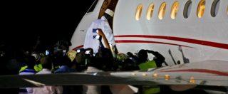 Gambia, il dittatore Jammeh scappa con 11 milioni di dollari dello Stato e auto di lusso