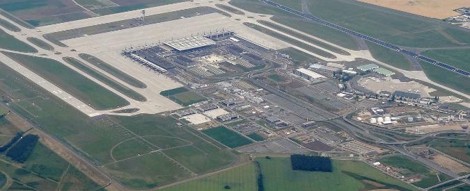 Berlino, il nuovo aeroporto non apre mai 6 anni di ritardi, costi gonfiati di 5 miliardi e 66.500 errori di progettazione