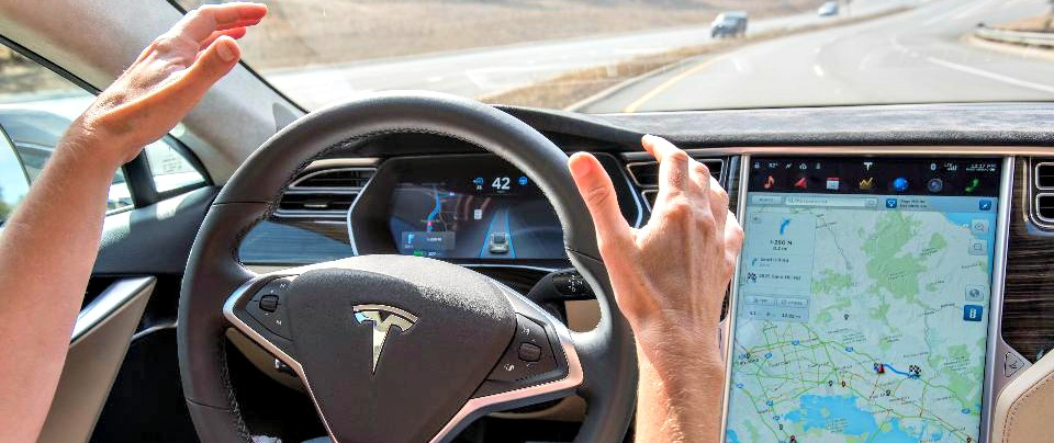 """Tesla, NHTSA: """"l'incidente mortale non fu colpa della guida automatica"""""""