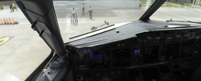 Canada, il pilota dell'aereo è ubriaco e perde i sensi prima del decollo: arrestato