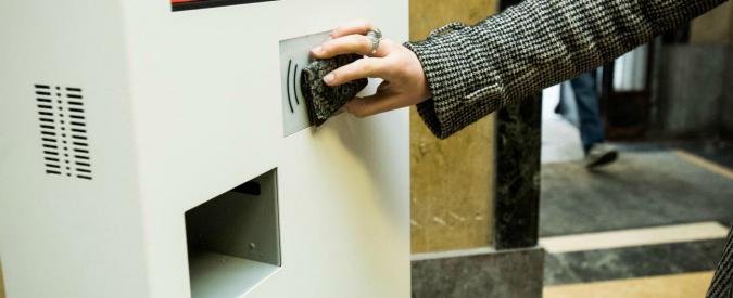 """Furbetti del cartellino, l'Enac sospende nove dipendenti indagati per """"irregolarità nella timbratura in ingresso e in uscita"""""""