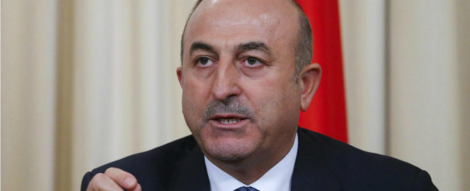 """Turchia, il ministro degli Esteri Cavusoglu: """"In crisi il rapporto di fiducia con gli Usa"""""""