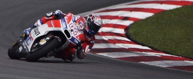 """MotoGp, a Sepang Ducati protagonista con il """"collaudautore"""" Casey Stoner nei test. Rossi ottavo tempo"""