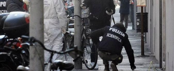 Bomba contro CasaPound a Firenze, Polizia risponde alle accuse di Siulp: 'Pagheremo tutte le cure all'agente ferito'