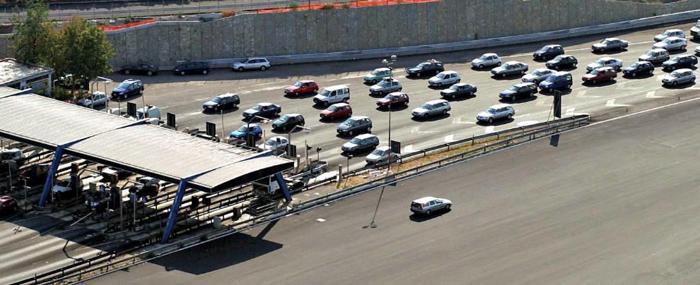 Multe e pedaggi autostradali, nel 2017 aumentano. Per fortuna non troppo