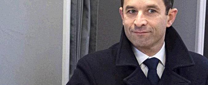 Francia, Hamon vince le primarie dei socialisti contro Valls. Lo schiaffo degli elettori al partito e la svolta a sinistra
