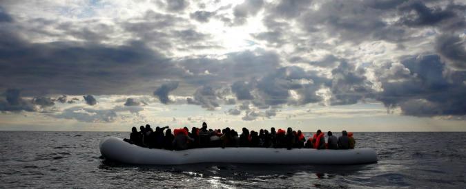 Mediterraneo, il racconto di chi l'ha attraversato per viaggiare e chi per salvarsi