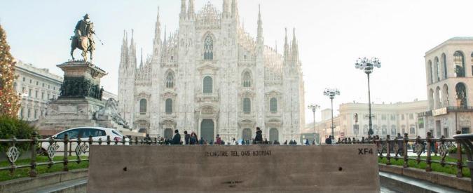 """Milano, """"spari"""" al McDonald's di piazza Duomo. Ma era il compattatore dei rifiuti"""