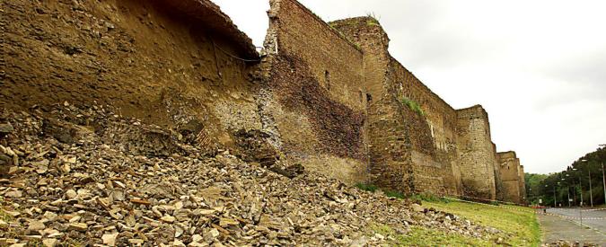 Mura Aureliane a Roma, continuano i crolli. Nell'indifferenza (e incuria) generale