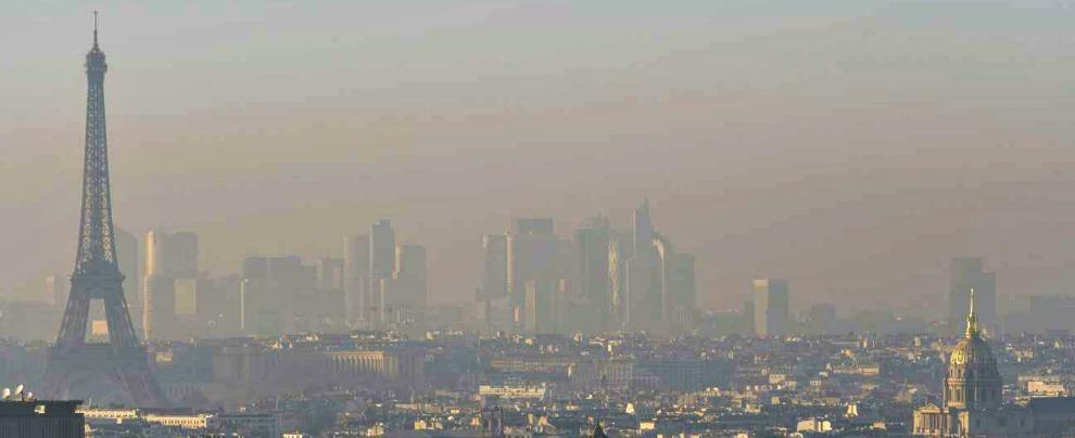 Emissioni Co2, l'Europarlamento dà il via ai tagli. Ma M5s e Lega si spaccano (nonostante il contratto di governo)