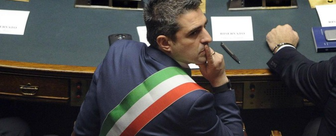 """Federico Pizzarotti si ricandida a sindaco di Parma senza partiti. """"Non lascio un buon lavoro a metà"""""""