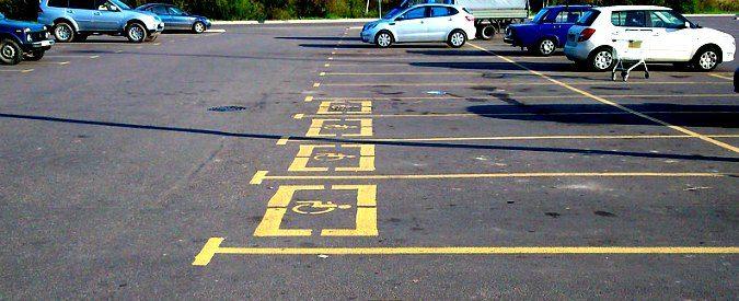 Parcheggi per disabili: cari bipedi attivi noncuranti, vi svelo tre segreti per non occuparli