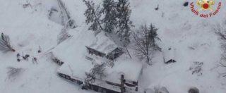 """Rigopiano, Protezione civile: """"Ancora speranza"""". I sopravvissuti: """"Prigionieri per 58 ore, salvi succhiando la neve"""""""