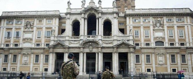 Roma, entra in Santa Maria Maggiore e sfregia sacerdote e sacrestano: fermato