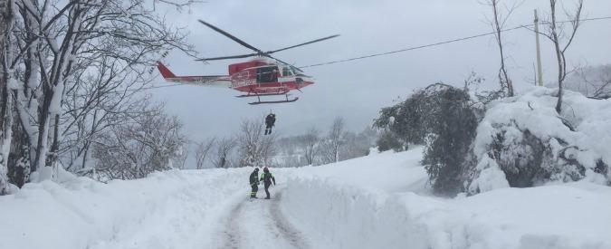 """Terremoto e neve, polemiche sulla gestione dell'emergenza. Boldrini: """"Non tollerabili ritardi sugli aiuti"""""""