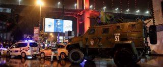 """Istanbul, attacco al night club nella notte di Capodanno: almeno 39 morti e 69 feriti, """"24 stranieri tra le vittime"""". Erdogan: """"Cercano di destabilizzarci"""" – ORA PER ORA"""