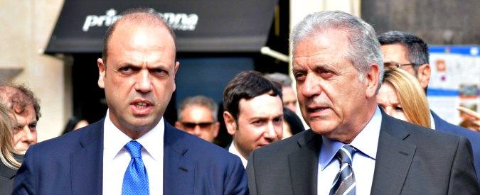 """Migranti, l'Ue vuole fermare gli sbarchi dalla Libia con un progetto del 2013 mai partito. E senza lista dei Paesi """"sicuri"""""""