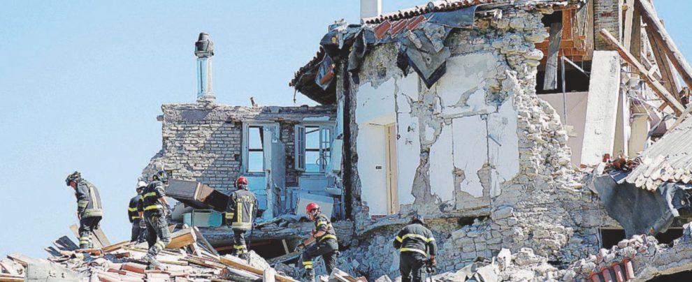 Falla nel decreto sisma: soldi pubblici per le case abusive