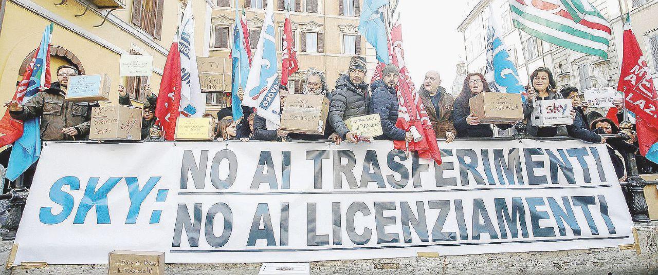 Sky licenzia 200 persone, ma intanto assume a Milano col Jobs act