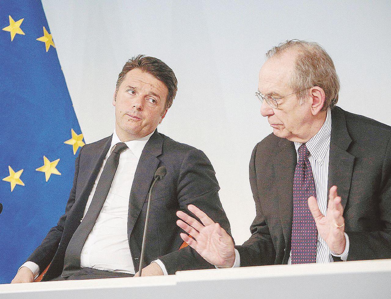 In Edicola sul Fatto Quotidiano del 12 febbraio: Renzi ha lasciato una voragine da 40 miliardi e fa pure il furbo
