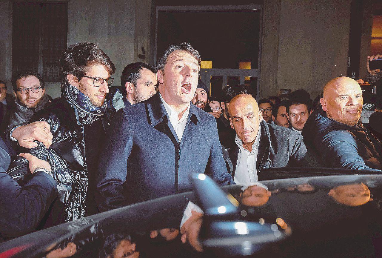 In Edicola sul Fatto del 18 febbraio – Delrio lo smaschera. E Renzi vuole spaccare la minoranza